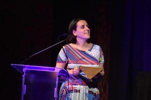 Award 09 - Helen Thomas on stage